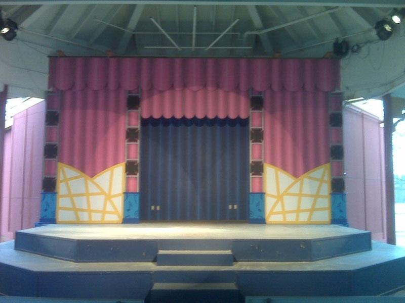 StageSets011.jpeg